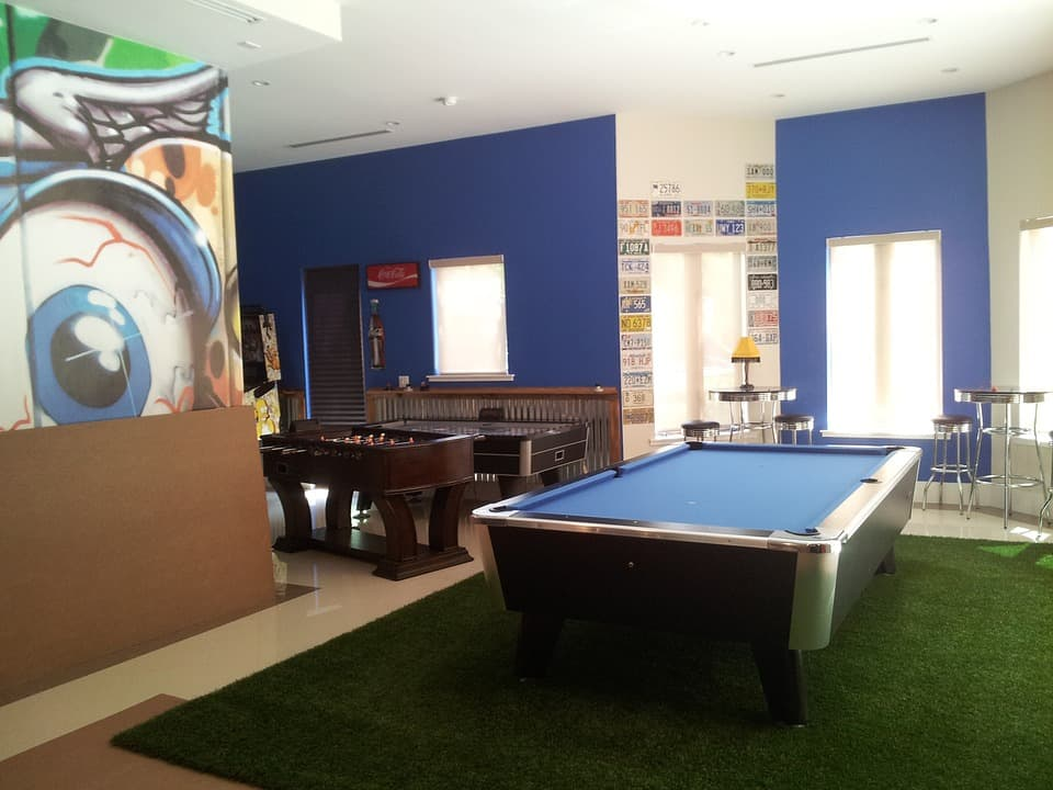 man cave recreation room