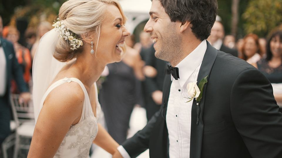 Wedding couple dance: best man duties guide