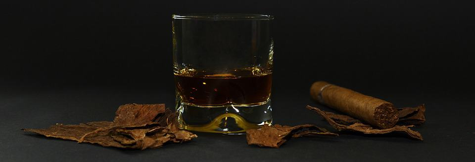 whiskey paired with cigar
