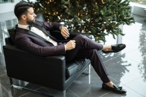 The Gentlemen's Guide to Wearing a Suit