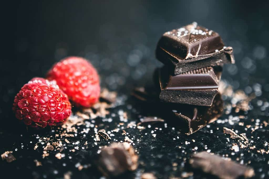 Read more about the article Top 10 Chocolates You Can Gift Your Best Friend On Their Wedding