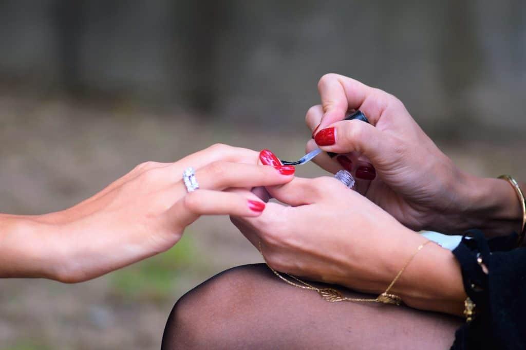 putting nail polish