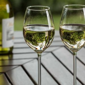 Here Are The 3 Best White Wines To Age In Your Cellar