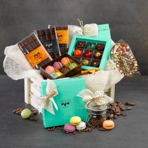 Best Gifts to Put in Your Fall Gift Baskets
