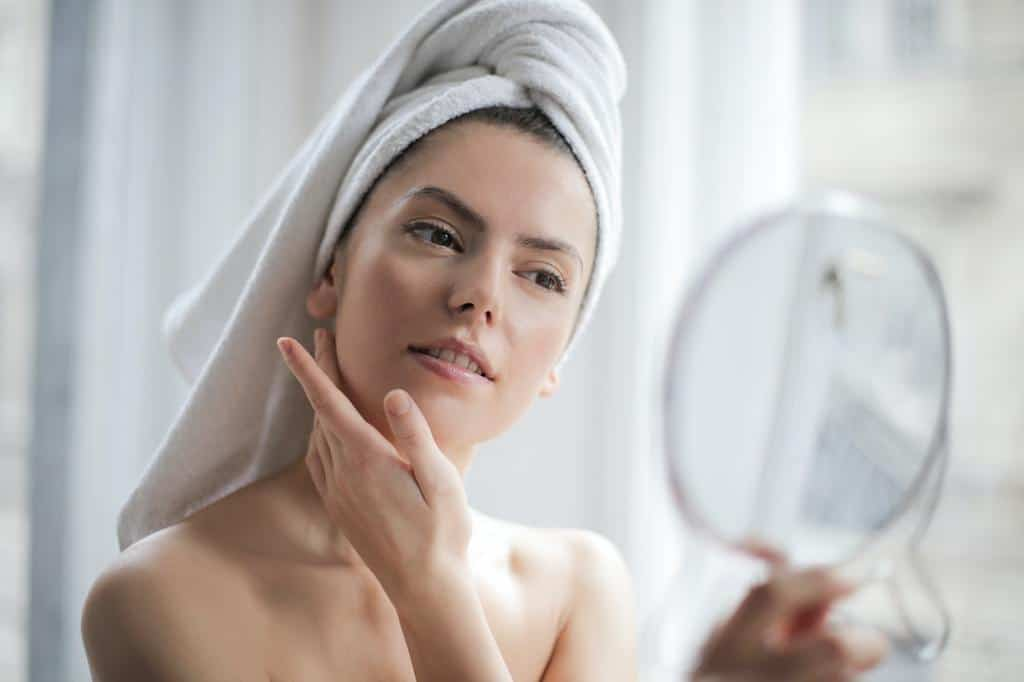 Read more about the article 4 Best Skincare Tips for Your Whole Family