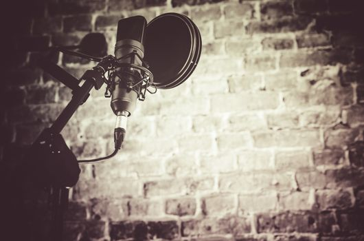 Recording studio, how to record your first album