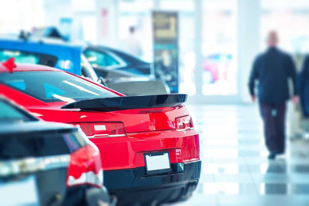 6 Smart Tips for Buying Your First Car