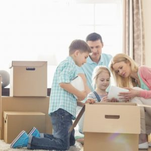 Decluttering, Self Storage, and More: The Ultimate Guide To Packing For Moving House