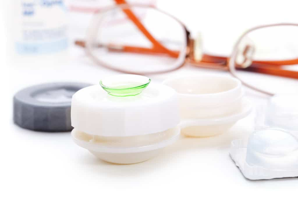 Read more about the article 4 Benefits of Daily Contact Lenses