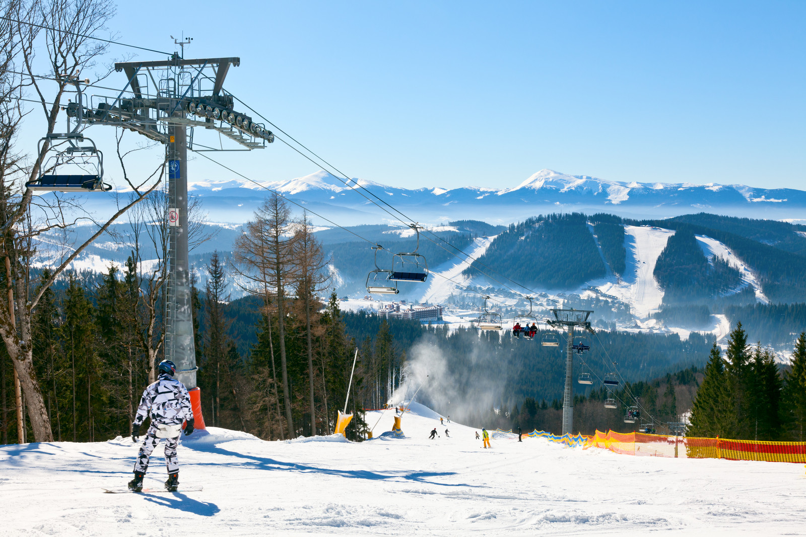 Read more about the article Morzine or Méribel: Which is the Better Ski Resort?